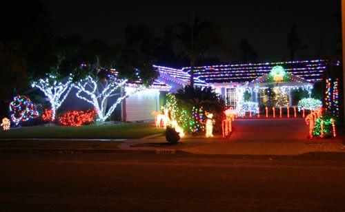 2015 Rossmoor Christmas Lights Celebration - 11552 Wallingsford - Good Neighbor Award