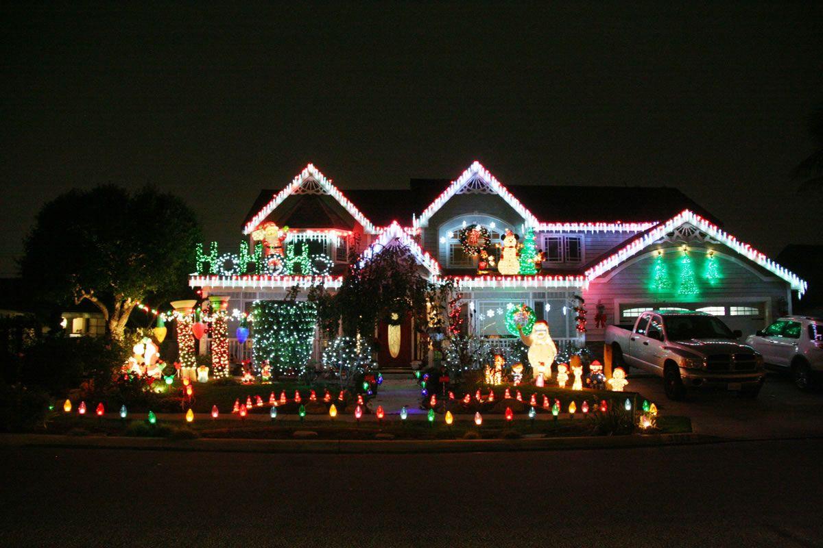 Rossmoor Christmas Lights - Island of Misfit Toys 3262 St Albans 2016