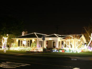 Sign your house up for the 2018 Rossmoor Christmas Lights Celebration